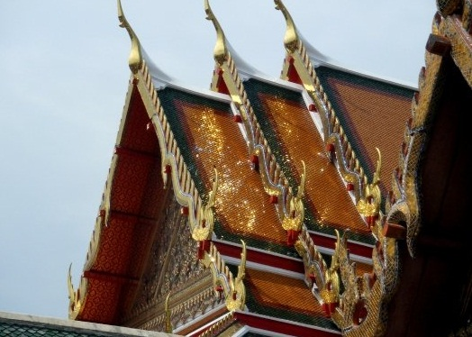 wat pho bangkok thailand travel guide gold roof