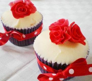 national-cupcake-week-english-rose